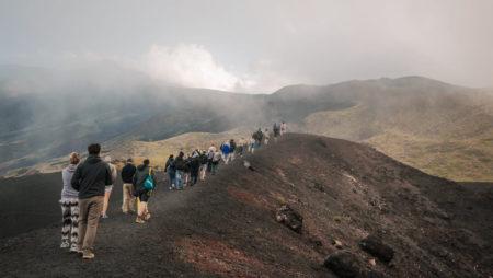 klimmen etna vulkaan berg italie sicilie